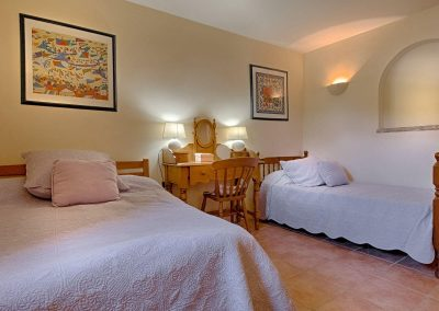 wp-valbonne-bedroom-with-double-bed-and-single-bed